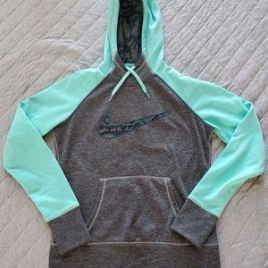 🆕 Nike therma-fit hoodie